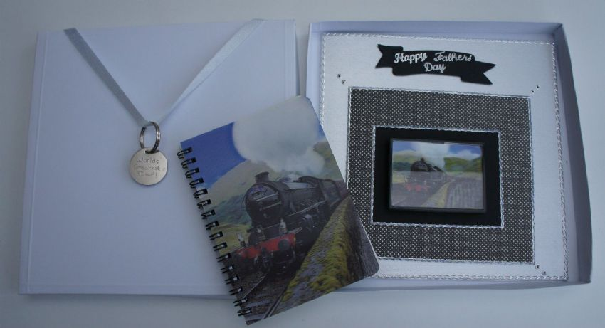 TRAIN GIFT PACK - CARD + 3D FRIDGE MAGNET, NOTEPAD  & KEY FOB ANY OCCASION